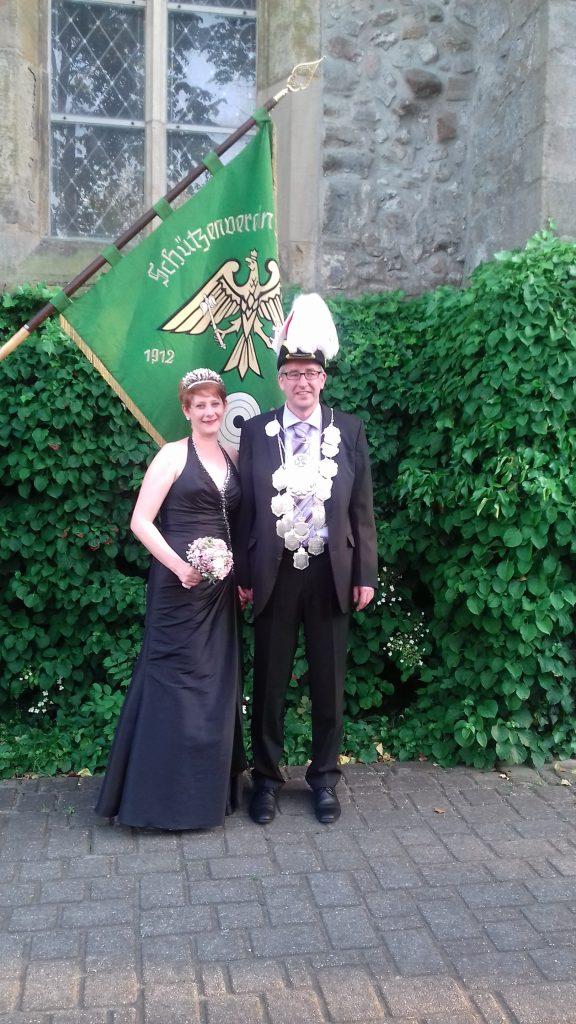 König Mario Risse mit seiner Königin Theresia